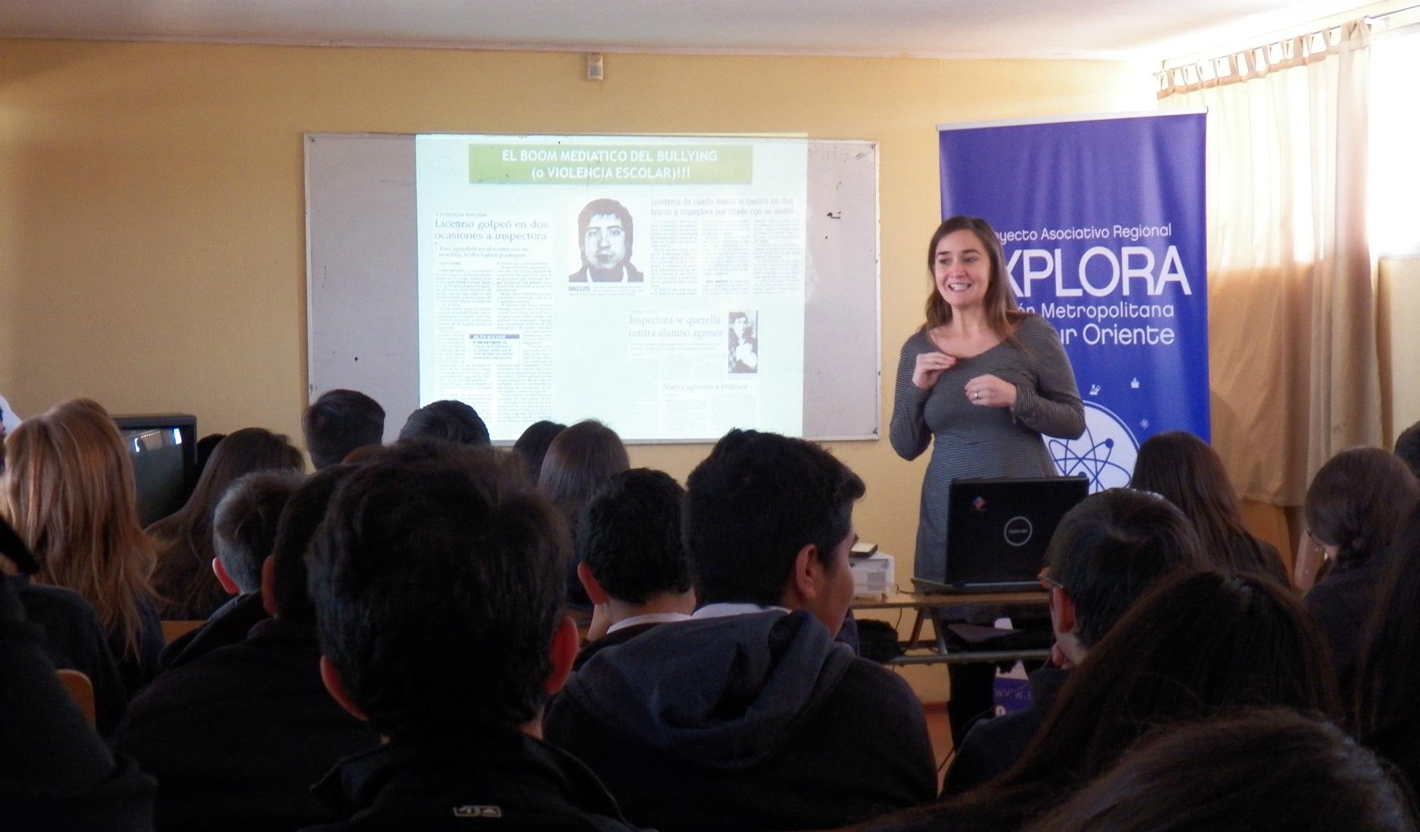 foto_charla a escolares de Puente Alto