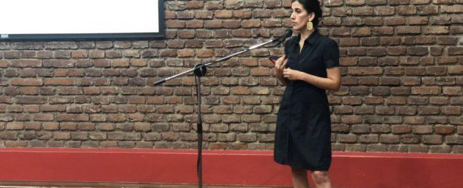 Soledad González explicando el proceso de postulación